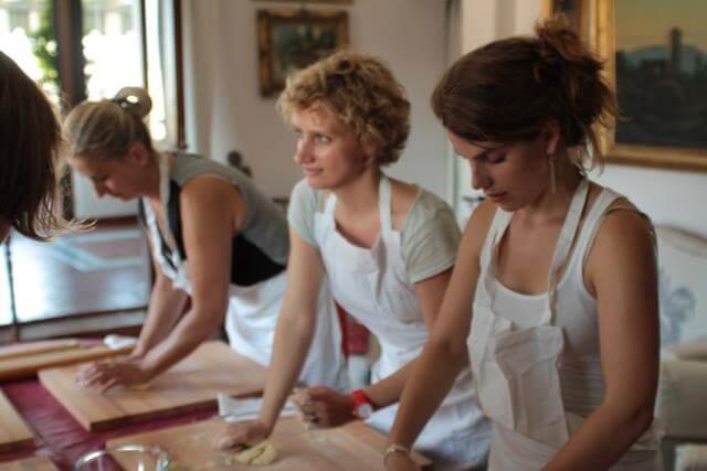チェントロ・イタリアーノのイタリア食文化コース