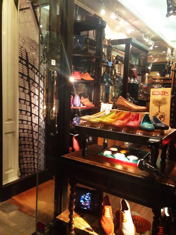 World Footwear Gallery2