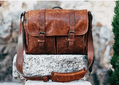 今日のイタリア語「このくらいの大きさの鞄が届いていませんか?」