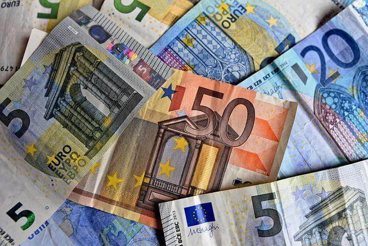 今日のイタリア語「現金で払います」