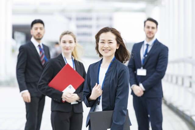 留学後の就職/転職先、おすすめの業種や業界とは?