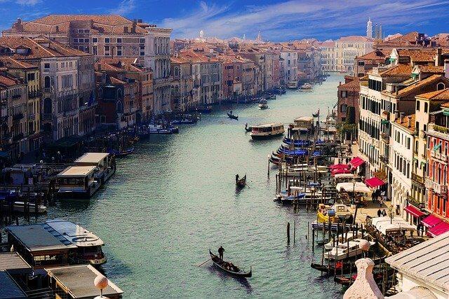 イタリア 海沿いの街の暮らし