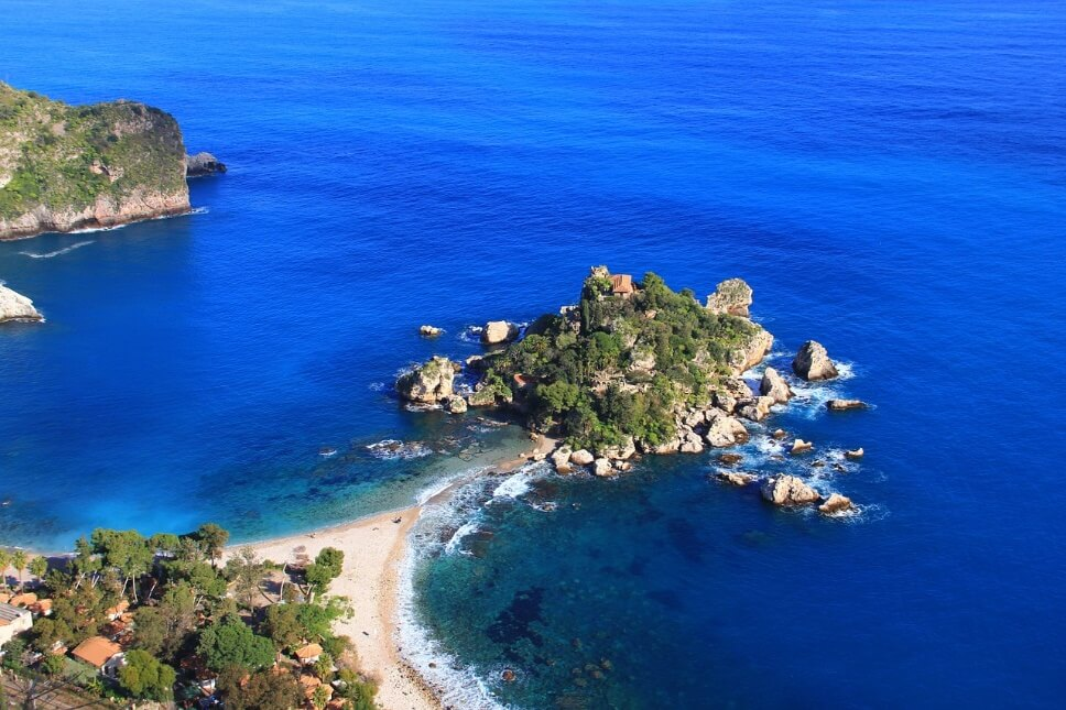 シチリア島で48.8度を観測